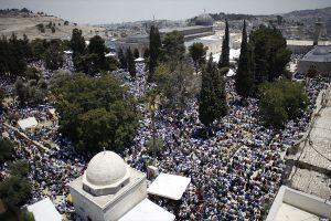 Ratusan Juta Muslim di Seluruh Dunia Rayakan Idul Fitri Hari Rabu