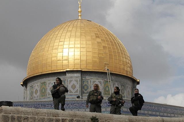 Menyusul Masjidil Haram dan Nabawi, Masjid Al Aqsa Akhirnya Ditutup
