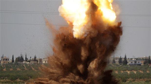 Rezim Assad Gempur Sisa-sisa Basis IS dengan Artileri dan Serangan Udara