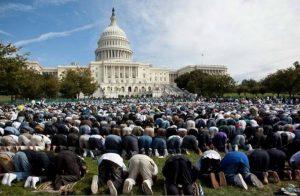 Pew Research Center: Perkiraan Baru Populasi Muslim AS