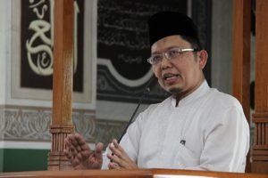 Alfian Tanjung: The Importace of a Khilafah System In These Times
