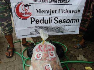 Forum Me-DAN Jawa Tengah Sebar Daging Qurban di Daerah Rawan Pemurtadan
