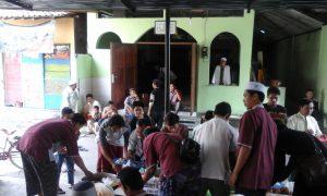 Ratusan Jama'ah Jum'at Masjid An Nur Ngasinan Nikmati Makan Siang Gratis dari MDS