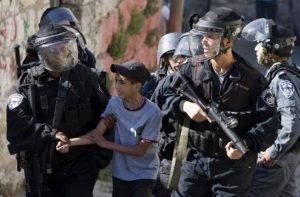 Sejak Awal 2016 Pasukan Zionis Telah Menahan 1000 Anak Palestina di Bawah Umur