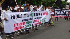 Gelombang Kecaman untuk Ahok Sampai di Semarang