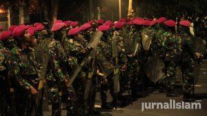 Jokowi Tak Perlu Gunakan Militer untuk Takuti Umat Islam