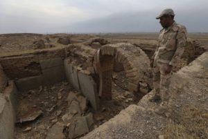 HRW: Pasukan IS Eksekusi 300 Mantan Polisi Irak di Selatan Mosul