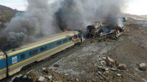 Sediktnya 40 Orang Tewas dalam Tabrakan Kereta Api di Iran