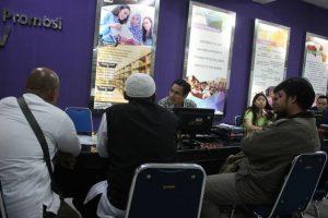 Ormas Islam Yogyakarta Protes Keras, Ada Muslimah di Iklan Kampus Kristen Duta Wacana