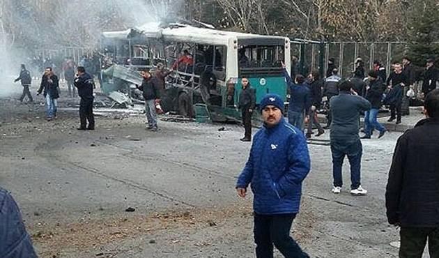 Serangan Bom Mobil Hantam Bis Umum, 13 Tentara Turki Tewas