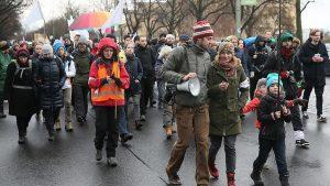 300 Aktivis Eropa Gelar Aksi Long March dari Berlin Menuju Aleppo