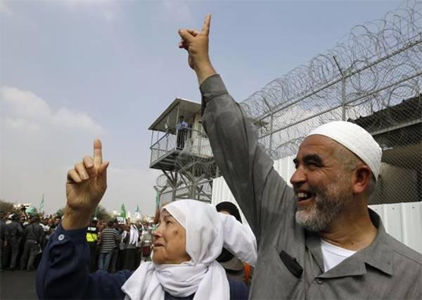 Syeikh Raed Salah Bebas dari Penjara Zionis dan Tolak Tawaran Netanyahu