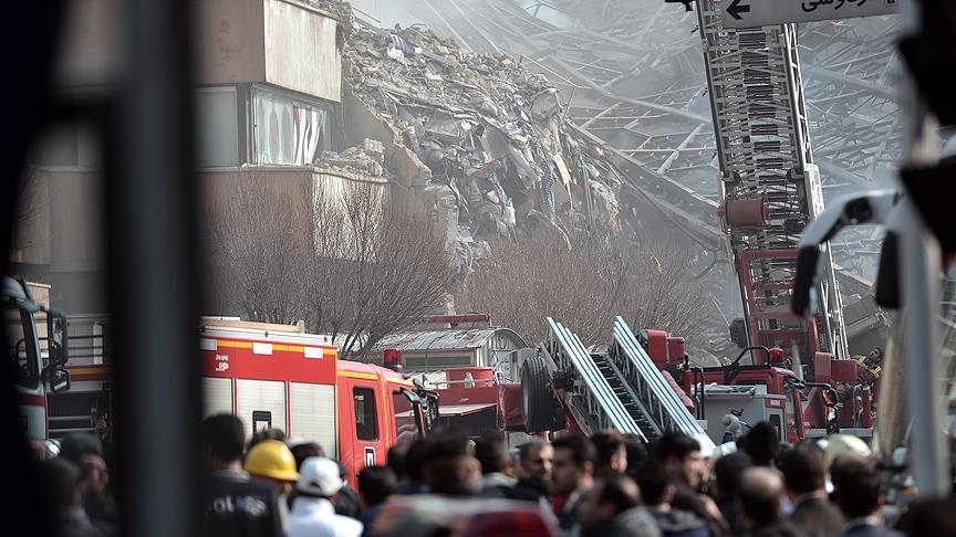 Gedung Komersil di Iran Ambruk akibat Terbakar, 30 Pemadam Kebakaran Tewas