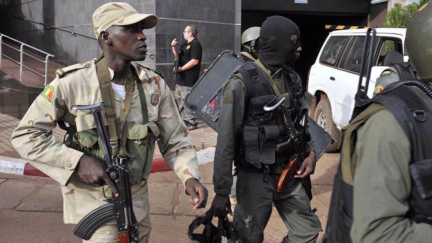 Jumlah Korban atas Serangan Bom Mobil di Pangkalan Militer Mali Meningkat, 60 Tewas