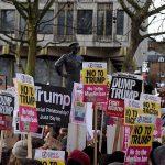 Ribuan Warga London Unjuk Rasa di Kedubes AS