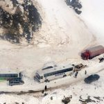 Mujahidin Imarah Islam Selamatkan 300 Lebih Wisatawan yang Terjebak Badai Salju