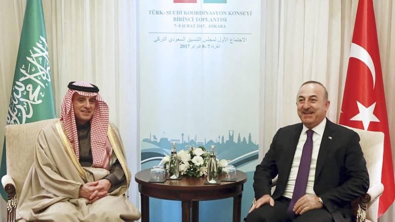Saudi dan Turki Bahas Serangan ke Raqqah