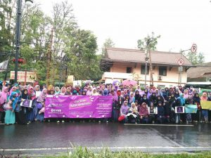 """Ratusan Pelajar dan Mahasiswa Gelar Aksi """"Gerakan Menutup Aurat"""" di Bandung"""