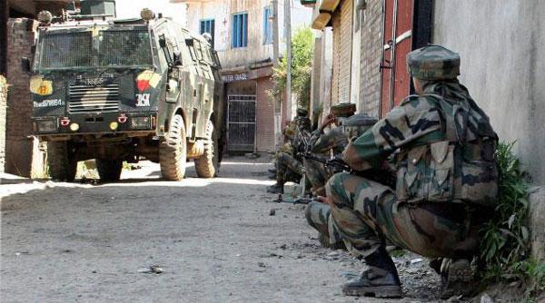 Tiga Tentara India Tewas Saat Konvoi Militer Diserang Pejuang Kashmir
