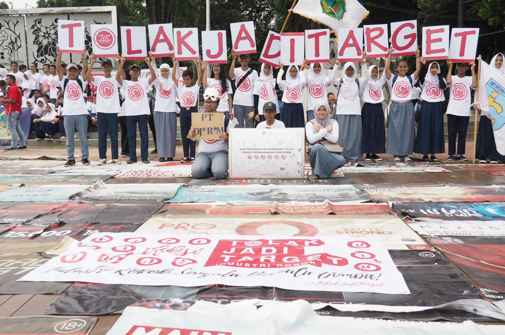 Pelajar Bekasi Gelar Aksi #TolakJadiTarget, Protes Iklan Rokok di Sekolah