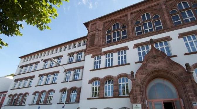 Sekolah Tinggi di Jerman Larang Siswa Muslim Wudhu dan Shalat di Kampus