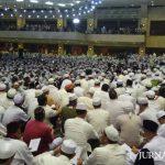 Ratusan Ribu Umat Islam Ikuti Dzikir Akbar di Masjid At Tin