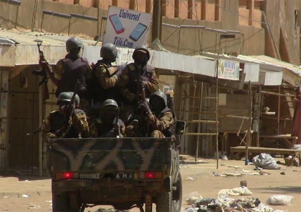 Sedikitnya 8 Tentara Mali Tewas saat Konvoi Militer Mereka Diserang