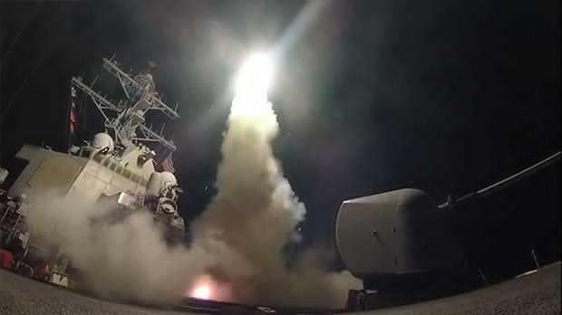 AS Gempur Pangkalan Udara Assad dengan 59 Rudal Tomahawk