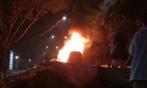 Ansharusyariah: Pembakaran Mobil di Cawang Bentuk Teror Terhadap Umat Islam