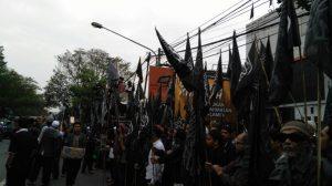 Ribuan Umat Islam Jawa Barat Hadiri Masiroh Panji Rasulullah