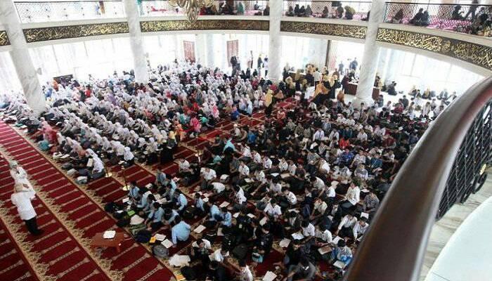 Ribuan Mualaf Hadiri Silaturahmi Akbar di Masjid TSM Bandung