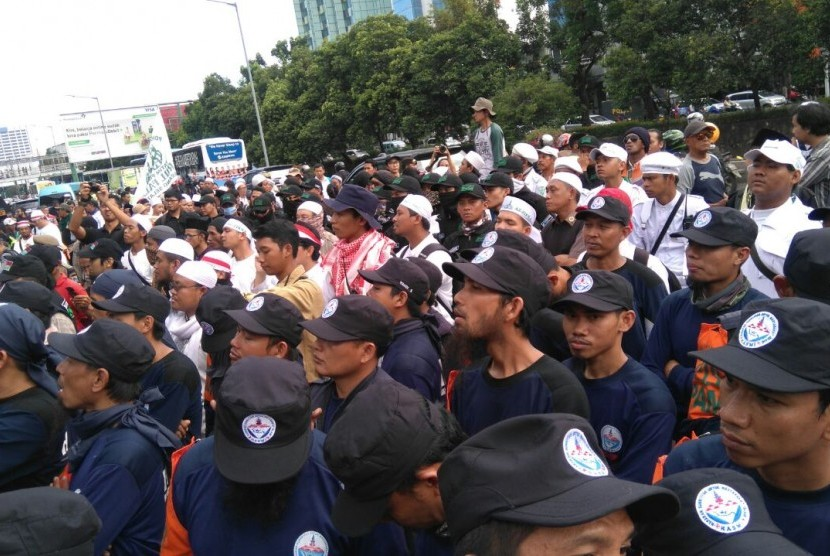 Muslim Cleric Habib Rizieq Advised Caution in Follow Up Trial of Ahok Tomorrow