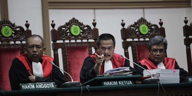 Terbukti Menista Agama, Ahok Divonis 2 Tahun Penjara