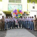 IZI Jateng Salurkan Program Beasiswa SMK Kepada 13 Pelajar SMKN 2 Semarang