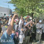 Ratusan Umat Islam Berunjuk Rasa Tolak Haidar Bagir di IAIN Surakarta