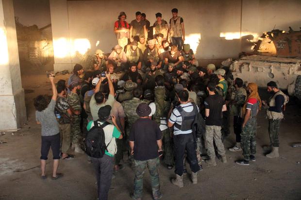 Hadapi Serangan Brutal Assad dan Rusia, HTS Serukan Persatuan Faksi Jihad di Deraa