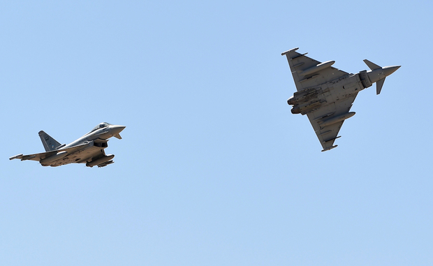 Jet Tempur Koalisi Arab Serang Pasukan Syiah Dukungan Iran di Laut Merah, 20 Tewas