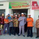 "Spirit 212 Dorong 500 Muslim Bandung ""Patungan"" Bangun Umat Mart"