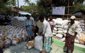 Badan Bantuan Turki Kirim Paket Sembako ke Muslim Rohingya