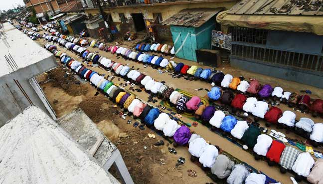 Gelar Shalat Jumat di Jalan, Ektremis Budha Pidanakan Muslim Myanmar