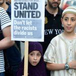 Ancaman Islamophobia Inggris: Akan Ada Darah Tertumpah, dengan Gas, Dipenggal, atau Diledakkan