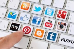 Blokir Media Sosial, Pengamat: Rezim Jokowi Blunder