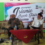 Ustaz Burhan Shodiq Berbagi Tips Mengelola Toko Buku Saat Peluncuran Toha Book Store