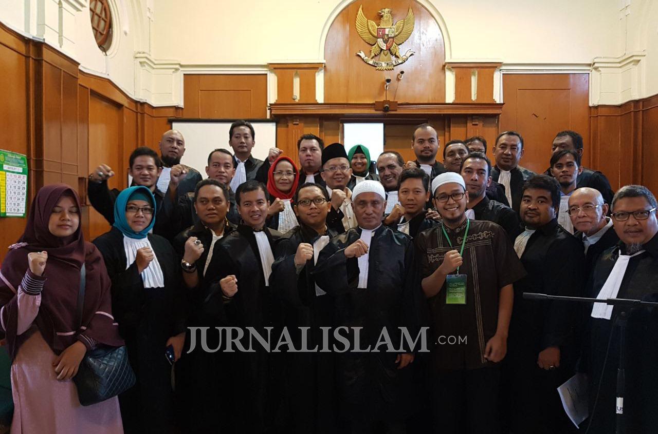 Nota Keberatan Kuasa Hukum Alfian Tanjung : Dakwaan JPU Batal Demi Hukum