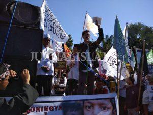 Aliansi Umat Islam Peduli Rohingya Desak Negara-negara Muslim Kirim Tentara ke Myanmar