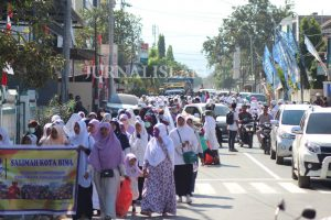 Ribuan Umat Islam Ikuti Aksi Peduli Rohingya di Bima