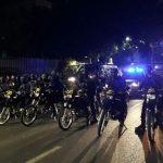 Polisi Bubarkan Paksa Massa Anti PKI dengan Water Cannon dan Gas Air Mata