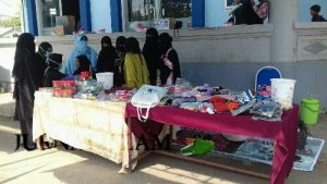 Tarik Simpati Warga, Muslimah Bima Gelar Bazar Peduli Rohingya