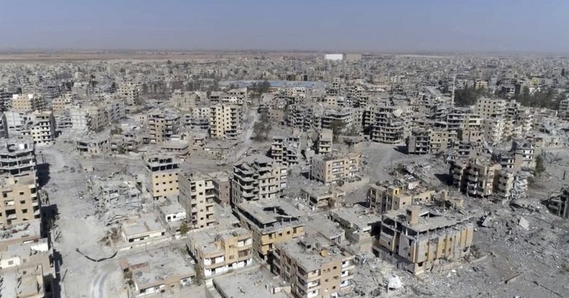 Seperti di Dresden pada WWII: AS Ratakan Raqqa dengan Pemboman Lalu Tutupi dengan Bantuan
