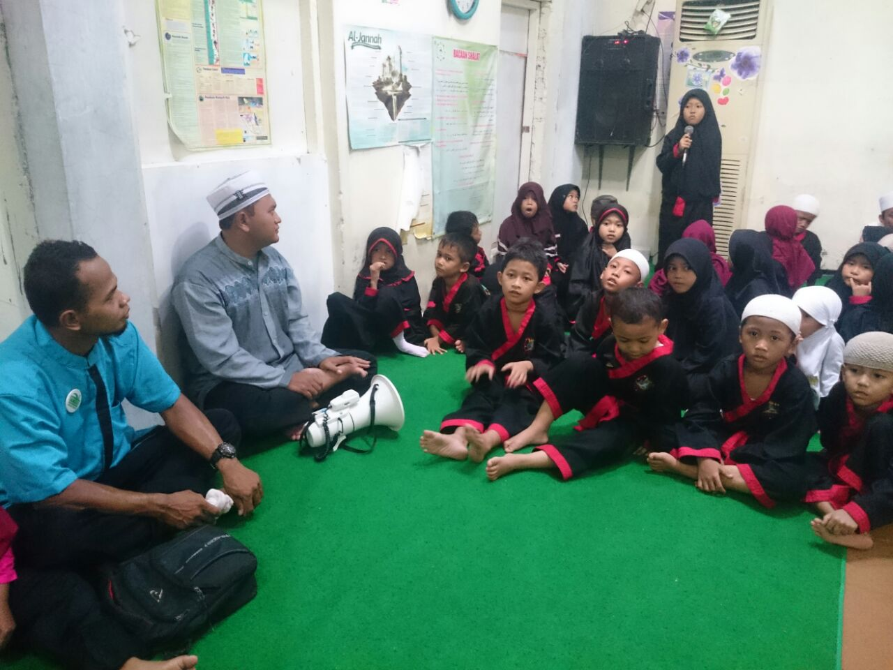 PPMI Soloraya Gelar Jum'at Berbagi Bersama Penghafal Quran STTD Al Hikam Solo